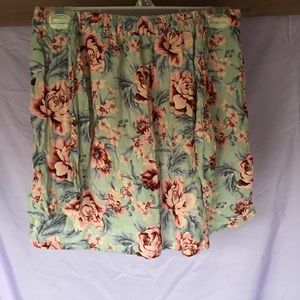 Women's American Eagle floral skirt